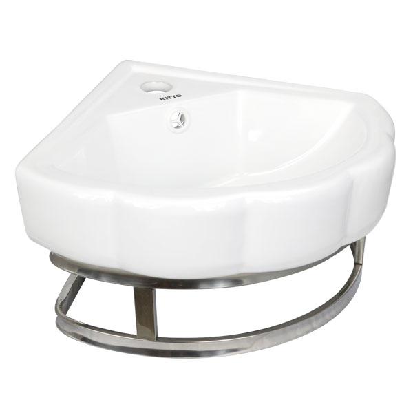 Sử dụng lavabo treo góc tường sẽ làm không gian tắm rộng hơn