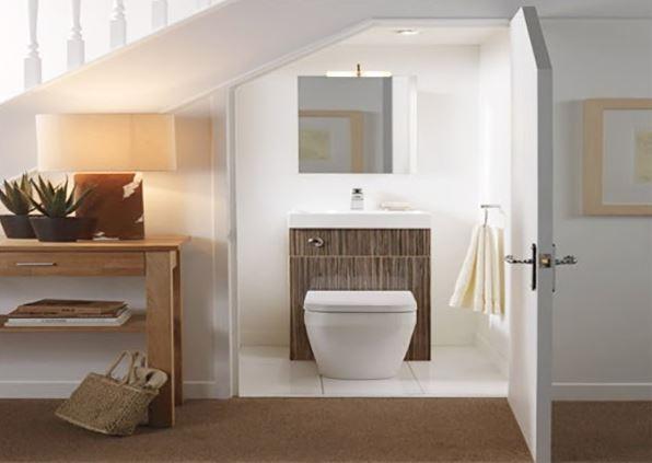 Đặt nhà vệ sinh dưới gầm cầu thang sẽ làm ứ đọng vận khí ngôi nhà